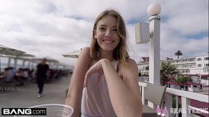 ดูหนังโป๊ออนไลน์ฟรี REAL TEENS – TEEN POV PUSSY PLAY IN PUBLIC กินน้ำเงี่ยน